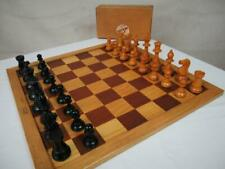 VINTAGE CHESS SET WEIGHTED LARDY STAUNTON  K 82 mm AND DUTCH  BOARD SQ OF 45 mm