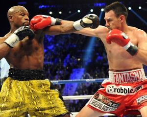 ROBERT THE GHOST GUERRERO VS FLOYD MAYWEATHER JR 8X10 PHOTO BOXING PICTURE