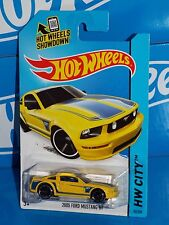 Hot Wheels 2014 Mustang Series #92 2005 Ford Mustang GT Yellow