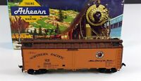 Athearn 5028 Northern Pacific 40' Steel Reefer Car NP 91349 HO Scale