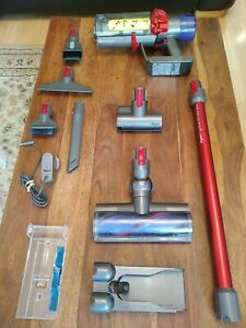 Dyson Cyclone V10 Total Clean Cordless Vacuum Cleaner (item228)