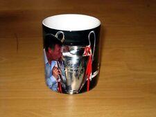 Sir Alex Ferguson Kissing The Champions League Trophy MUG