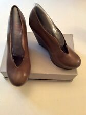 BRAND NEW OFFICE BROWN LEATHER WEDGE HEELS SIZE 4/37