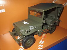 UT Models  Willy`s  Jeep  with  Canvas Top  (grün/grau ) 1:18  OVP