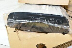 OEM Mercedes Sprinter Van Radio AM/FM CD Factory Unit SOUND 30 New in Box