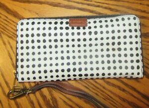 Fossil NWT Emma Black/Wh Zip Phone Wristlet Faux Leather Clutch Org Wallet NICE