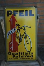 Emailleschild Pfeil Fahrrad 60x35cm gewölbt