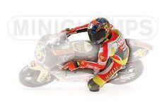 Minichamps 312 990146 FIGURINA RIDING VALENTINO ROSSI 250cc WORLD CHAMPION 1:12