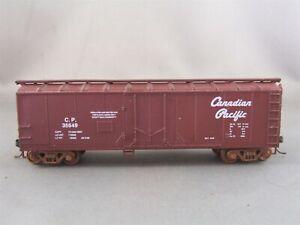 Walthers - Canadian Pacific - 40' Plug Door Box Car # 35649