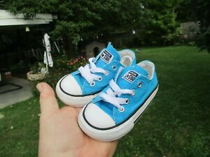 Converse All Star Baby Size 5C Nice Converse!!!