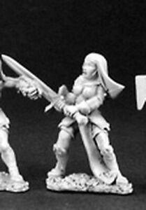 1 x BATTLE NUN SWORD - WARLORD REAPER miniature jdr rpg pike nonne female 06062c
