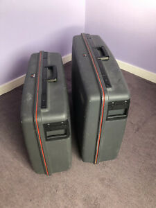 """VINTAGE DELSEY HARD SUITCASE   """"Club""""   2 Wheeled   WITH KEY"""