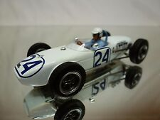 SPARK LOTUS FORMULA RACE CAR - No 24- F1 WHITE 1:43 - GOOD CONDITION