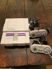 Super Nintendo Entertainment System SNES With 2 Controllers