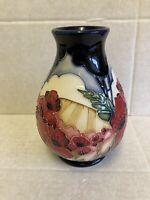 """Moorcroft """"Forever England"""" Vase 7/5 Vicky Lovett RRP £375 Remembrance Poppy"""