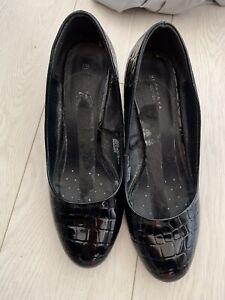 well-worn womens heels