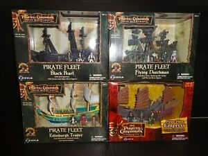 """Zizzle Complete Set of 4 """"Pirates of the Caribbean"""" Sailing Ships + Figures  MIB"""