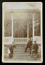 Photo CDV Cabinet 1890 Trois hommes au kiosque à musique B041