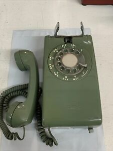 VINTAGE Avocado green WESTERN ELECTRIC BELL SYSTEM WALL ROTARY PHONE 1960's