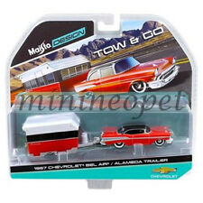 MAISTO 15368 B TOW & GO 1957 CHEVROLET BEL AIR with ALAMEDA TRAILER 1/64 RED