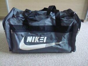 Brand New - Nike Grey Sports/Travel Bag