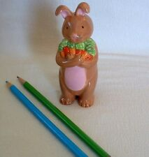 BUNNY RABBIT Zoo MAGNET Bunch Carrots PENCIL PEN HOLDER Vase DEMDACO Ceramic