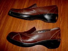 Clarks BROWN SHOES WOMENS SIZE 7 1/2 M    84630
