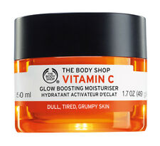 The Body Shop Vitamin C Glow Boosting Moisturizer 50mL awakens dull, tired skin