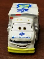 DISNEY PIXAR CARS DIE CAST MINI RACERS Dr Damage Ambulance #32 2018 NEW Package