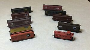 N Scale - Freight Car Lot - Box and Stock with a Caboose