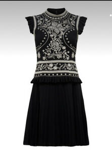 """FOREVER NEW 