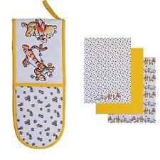 Disney Winnie the Pooh Tea Towel & Oven Glove  Set