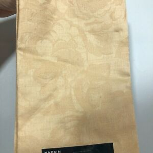Waterford Napkins Lot of 7 NEW Light Gold Dining Cotton Camille