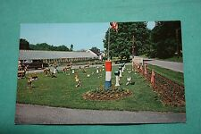 Vintage Postcard Robinson Greenhouses, Hillside Avenue, Peeksill, N.Y.