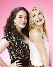 Dennings, Kat / Behrs, Beth [2 Broke Girls] (53433) 8x10 Photo