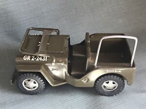 Vintage green Toy Tonka Jeep....LOOK!!!!!!!