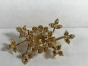 Vintage style pin settings gold plated with inserts for rhinestones Lot of 8