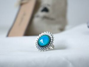 Flower Mood Ring with Iconic Features