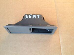B552/   Seat Oldtimer  Aschenbecher Ascher 3944869 558732