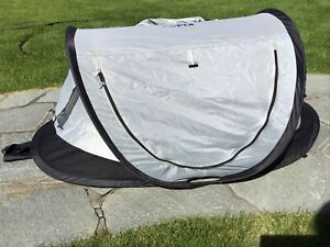 Kidco Pea Pod Plus Baby Infant Tent Outdoor Sun Shade Gray Midnight Netting