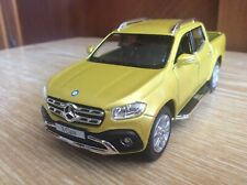 KinsMart Mercedes-Benz X-Class   1:42 scale metal car