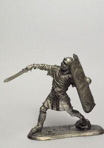 Tin soldier, figure. Rome. Legionnaire in attack 54 mm