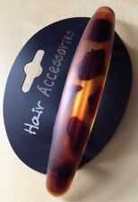 A Matt Finish Tortoiseshell Barrette Hair Clip