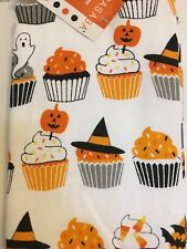 2 HALLOWEEN CUPCAKES KITCHEN TOWELS SPRINKLES PUMPKIN CANDY CORN BATS GHOST HAT