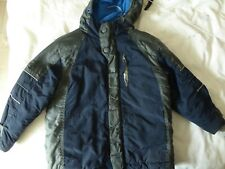 boys coat age 4 Duck n Dodge ( will combine postage)
