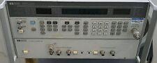 Agilent HP 8657D π/4 DQPSK SIGNAL GENERATOR w π/4 DQPSK I/O MODULATOR option 001