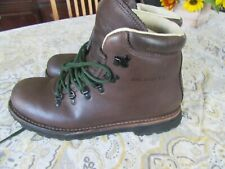 New listing Merrell Wilderness Canyon Hiking Boots Black Men's Size 11