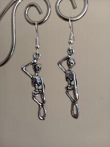 👻 Spooky 👻silver hanging skeleton long drop dangly earrings ~  🎃Halloween 🎃