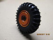 CIJ Tracteur agricole orange R3040 au 1/10ème une roue arrière libre