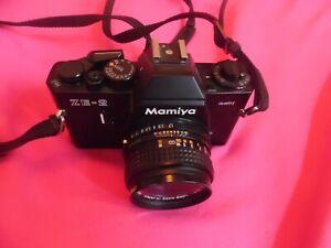 Appareil photo Mamiya ZE 2 avec objectif Mamiya-Sekor 1:1.7  f=50 mm
